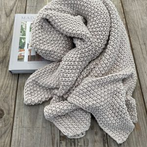 THROW HAND-KNIT COTTON – TAUPE MOSS STITCH