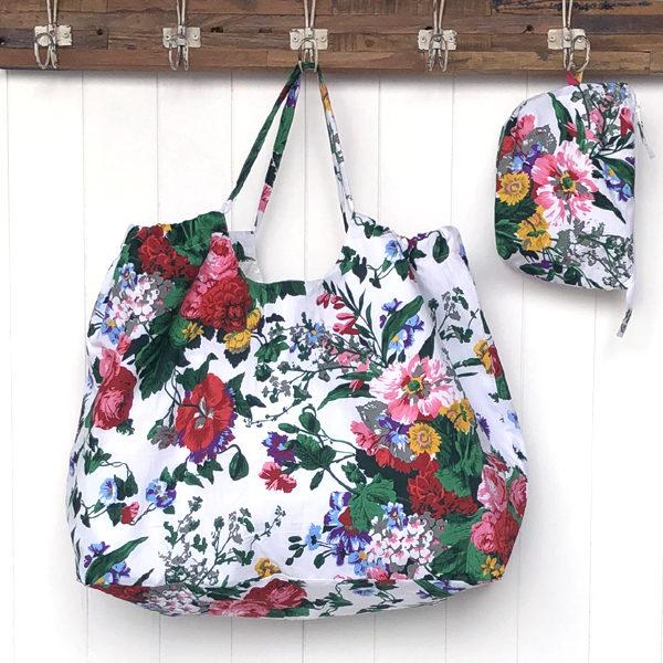 XXL Beach Bag - White Floral