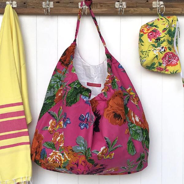 XXL beach Bag -hot pink rose garden