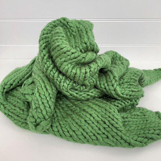 handknit chunky throw - green