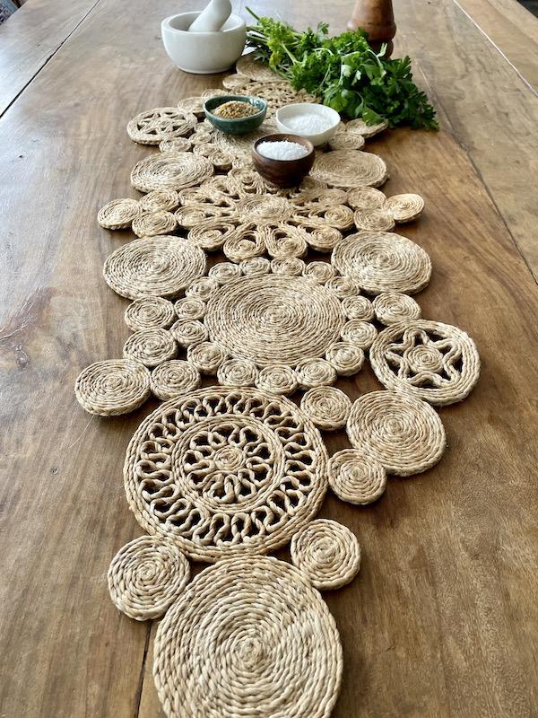Handmade jute retro table runner - spice