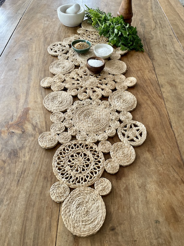 Handmade jute retro table runner - spice